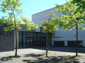 Escola pública de Copenhague. Foto de © www.mysona.dk via Wikimedia.