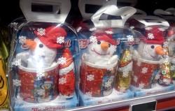 Produtos natalinos à venda em loja da Dinamarca.