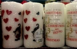Velas de Natal à venda em lojas da Dinamarca.